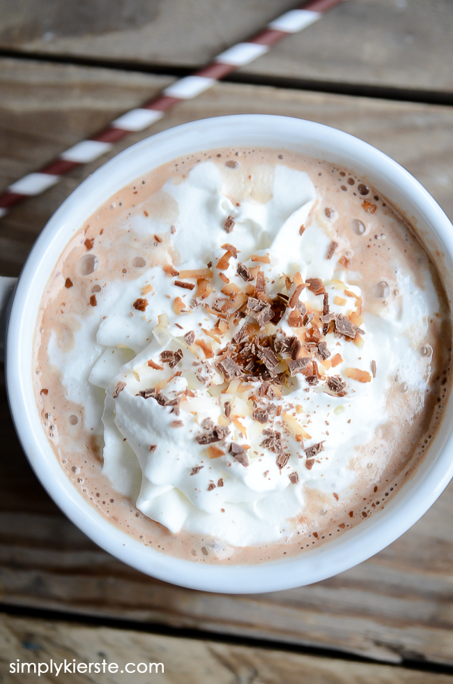 Homemade Toasted Coconut Hot Chocolate | simplykierste.com