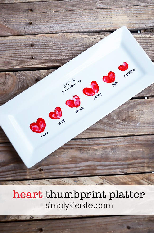 Heart-shaped fingerprints on a serving platter make an adorable gift! | simplykierste.com