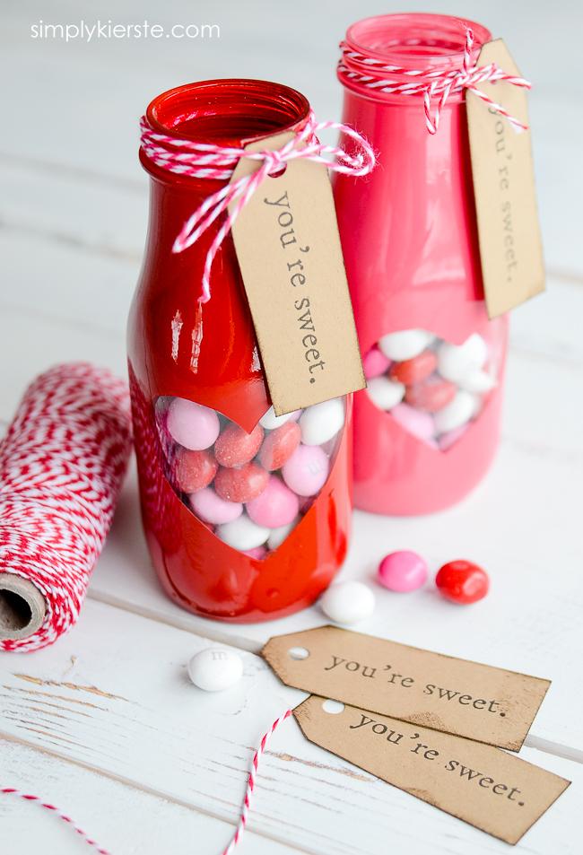 Valentine Treat Jar with free printable | simplykierste.com