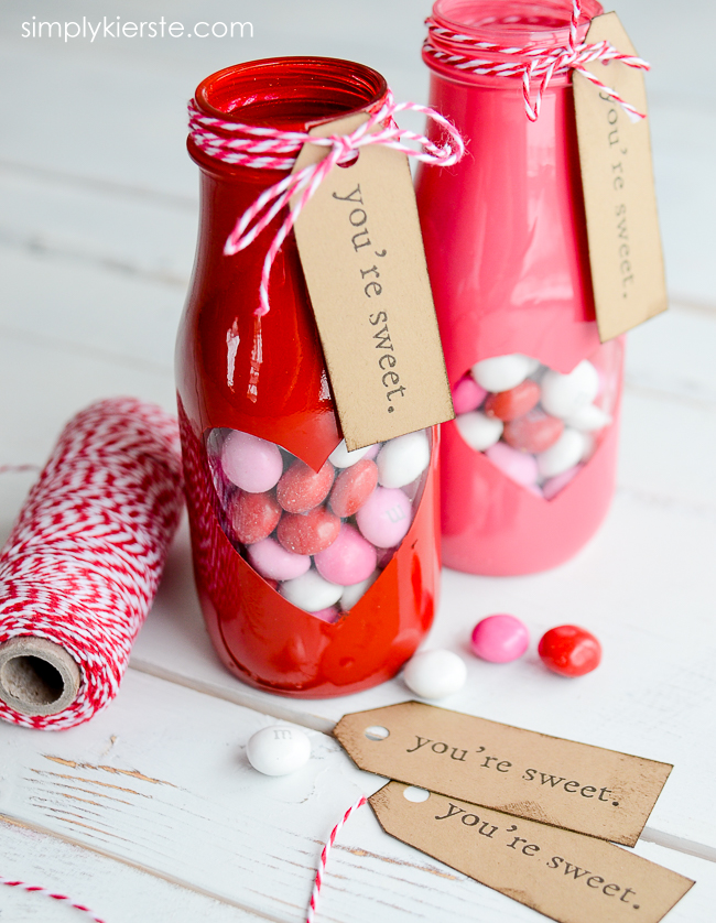 Valentine Treat Jar with free printable | simplykierste.com