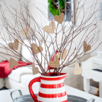 An adorable valentine tree, perfect Valentine's Day decor! | simplykierste.com