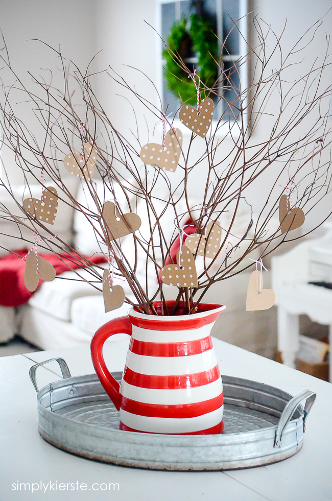 An adorable valentine tree, perfect Valentine's Day decor! | oldsaltfarm.com