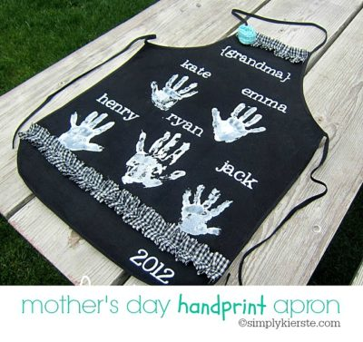 Mother's Day Handprint Apron | oldsaltfarm.com