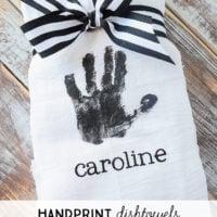 Handprint Dishtowels | simplykierste.com