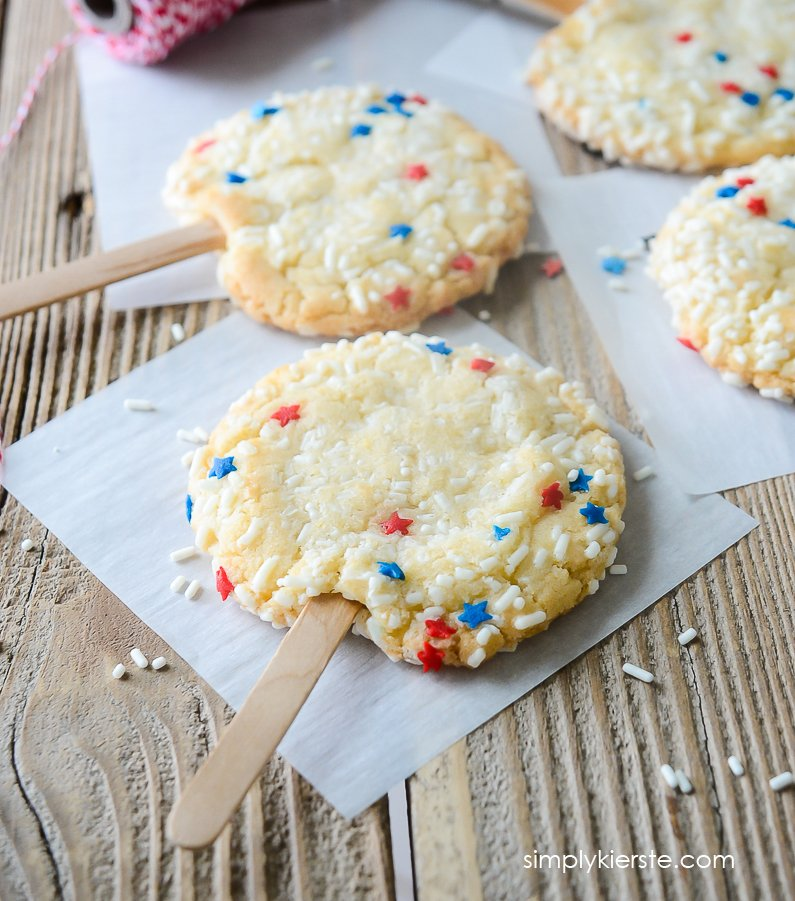 Patriotic Sprinkle Cookies | 4th of July | simplykierste.com