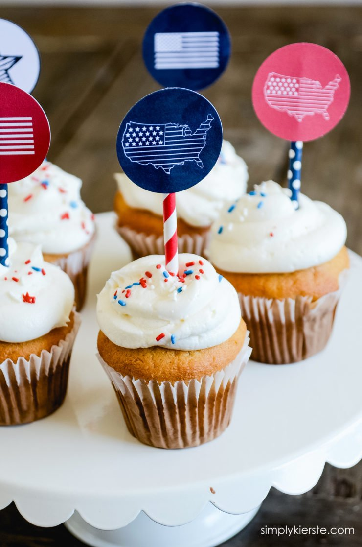 Patriotic Cupcake Toppers | simplykierste.com