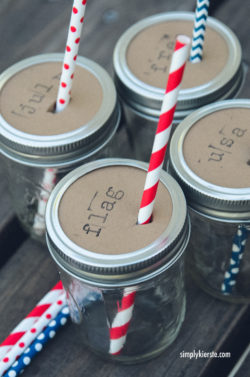 Patriotic Mason Jar Drink Toppers | simplykierste.com