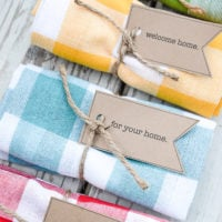 Easy & Adorable Dishtowel Gift Idea | Free Printable Tag | oldsaltfarm.com