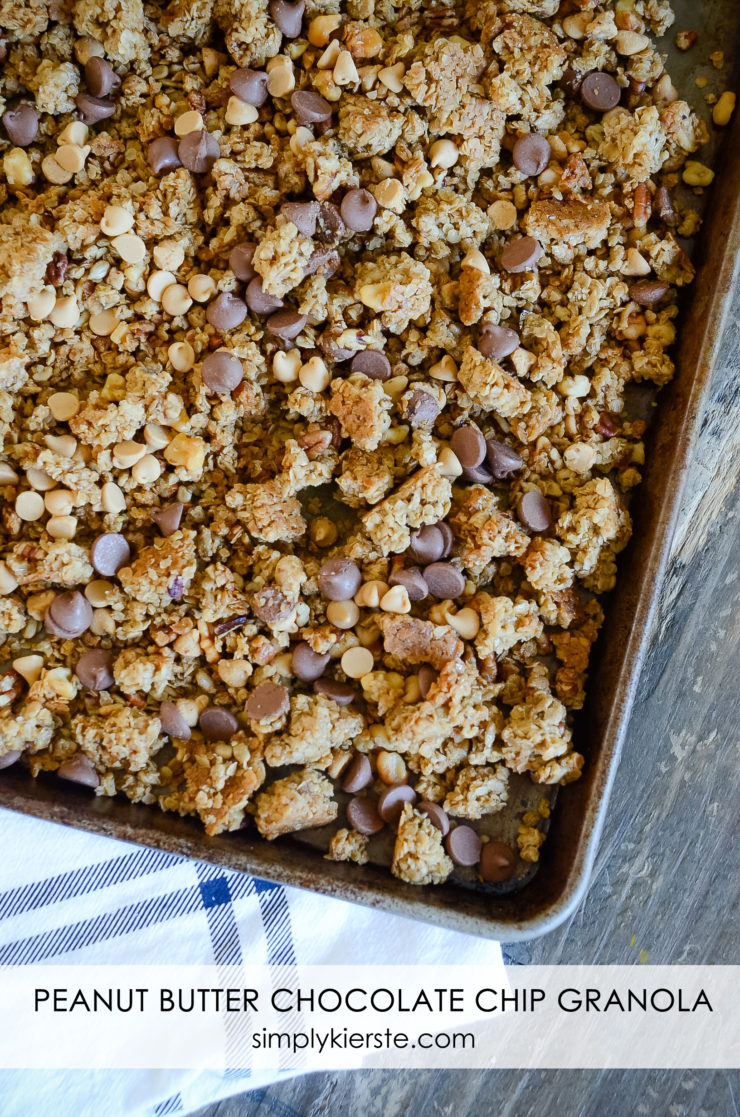 Peanut Butter Chocolate Chip Granola | simplykierste.com