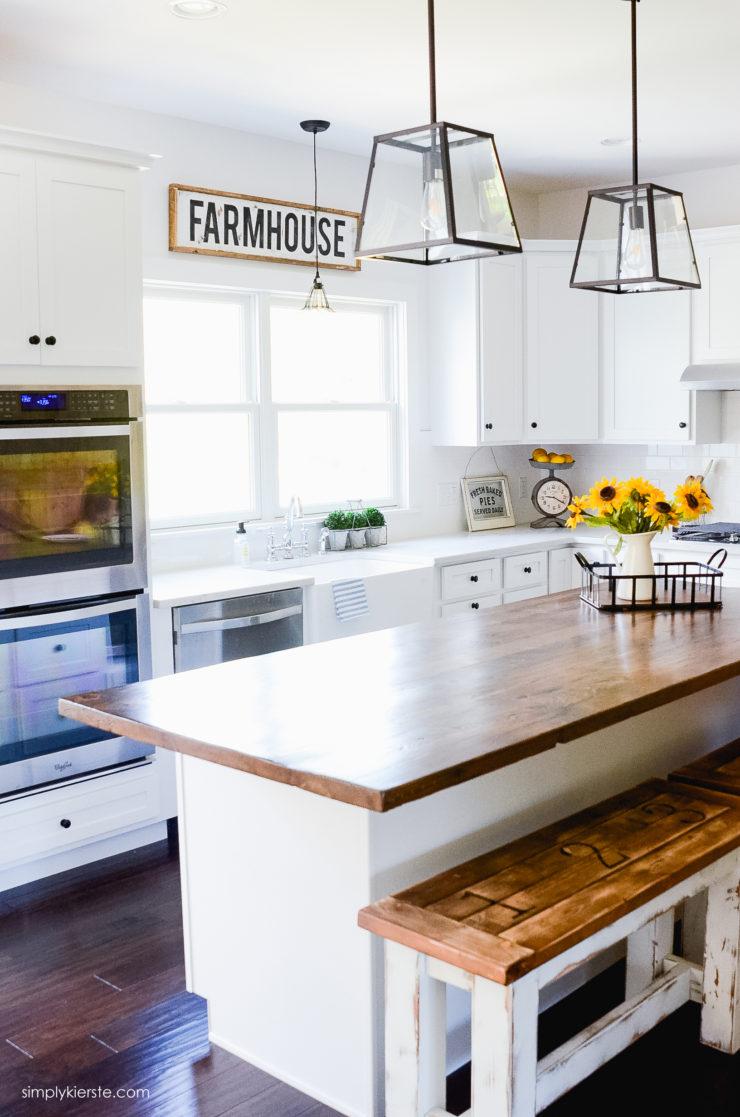 DIY Wood Framed Farmhouse Sign   oldsaltfarm.com