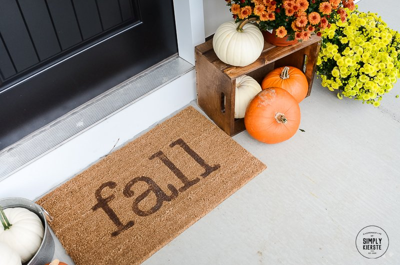 10-Minute Fall Welcome Mat | oldsaltfarm.com