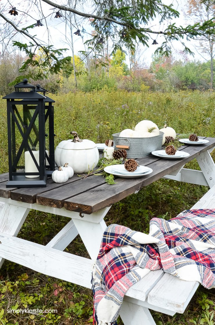 My Cozy Fall Farmhouse Tablescape | simply kierste.com