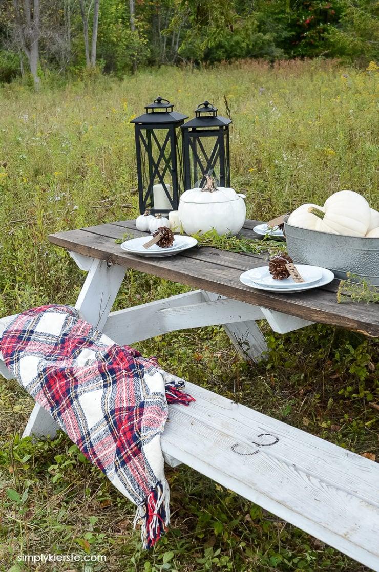My Cozy Fall Farmhouse Tablescape | simply kierste.com