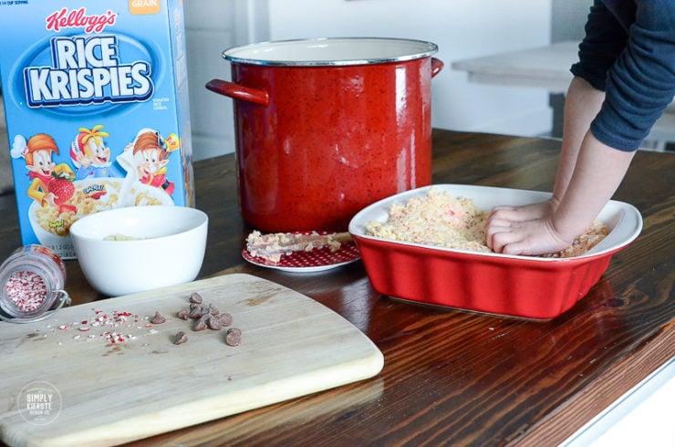 Chocolate Peppermint Rice Krispies Pops | simplykierste.com