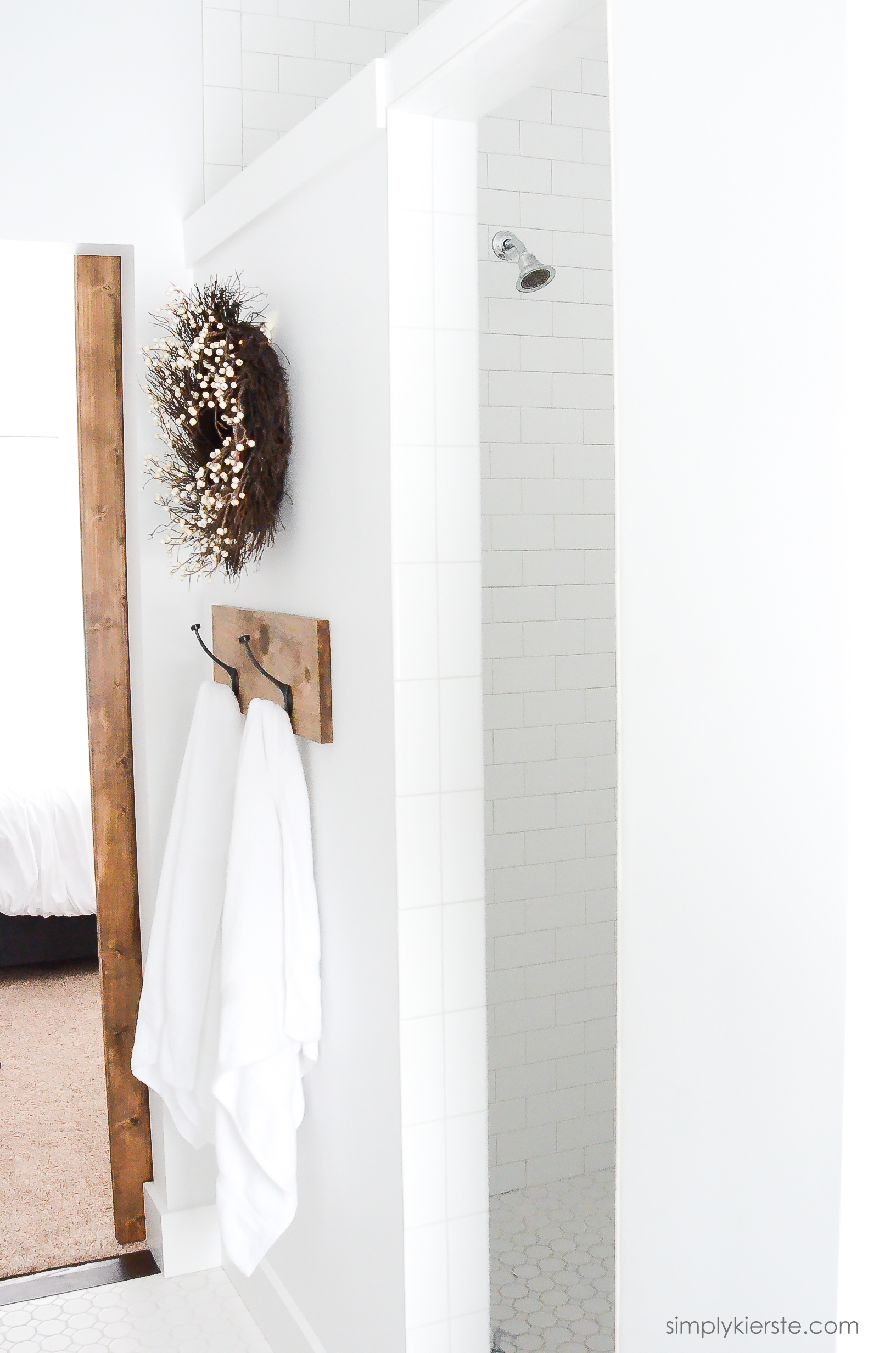 Simple Farmhouse Bathroom DIY Bathroom Mirrors simplykierste