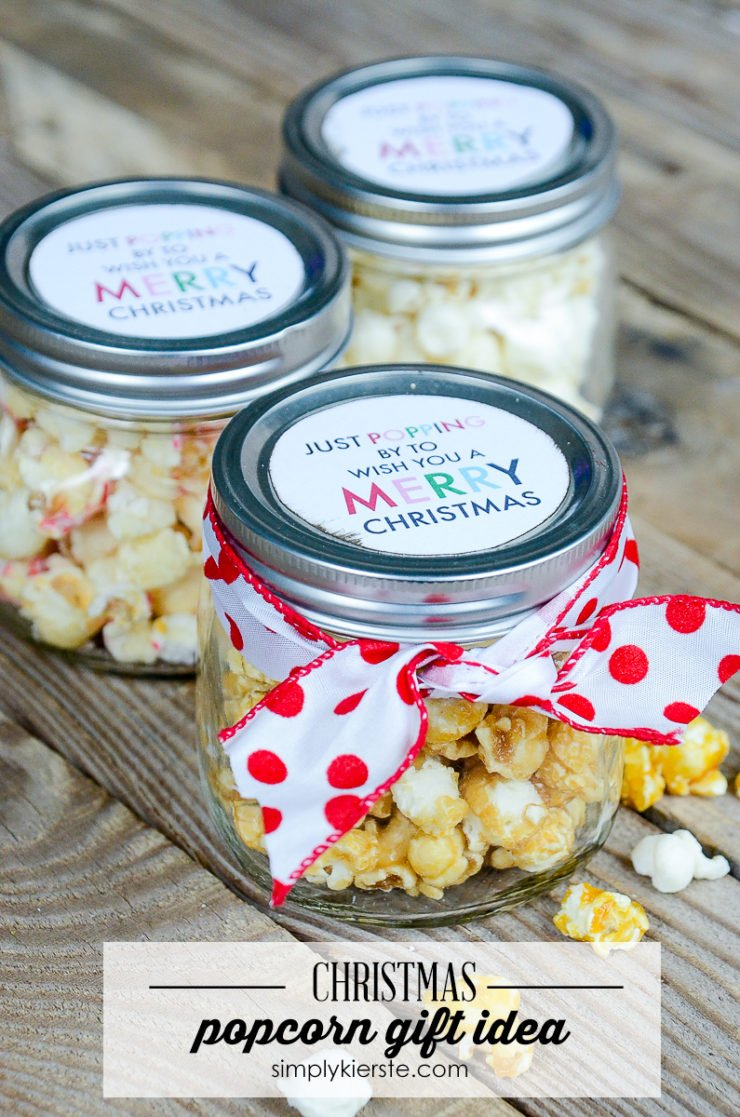 Easy Christmas Popcorn Gift Idea | simply kierste.com