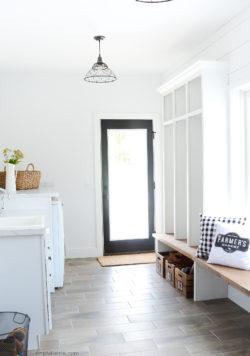 Farmhouse Laundry Room | simplykierste.com