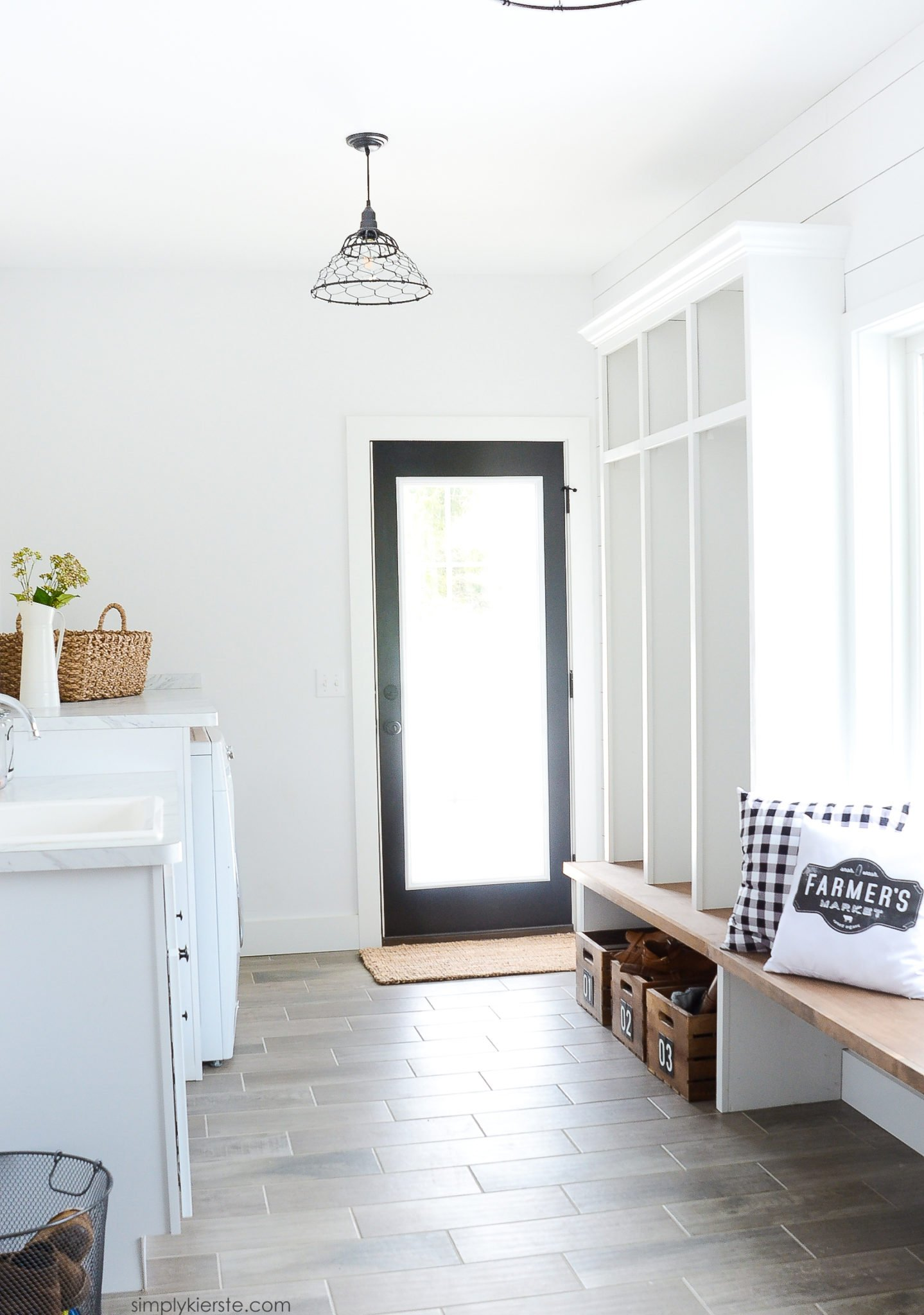 Farmhouse Laundry Room & Mud Room
