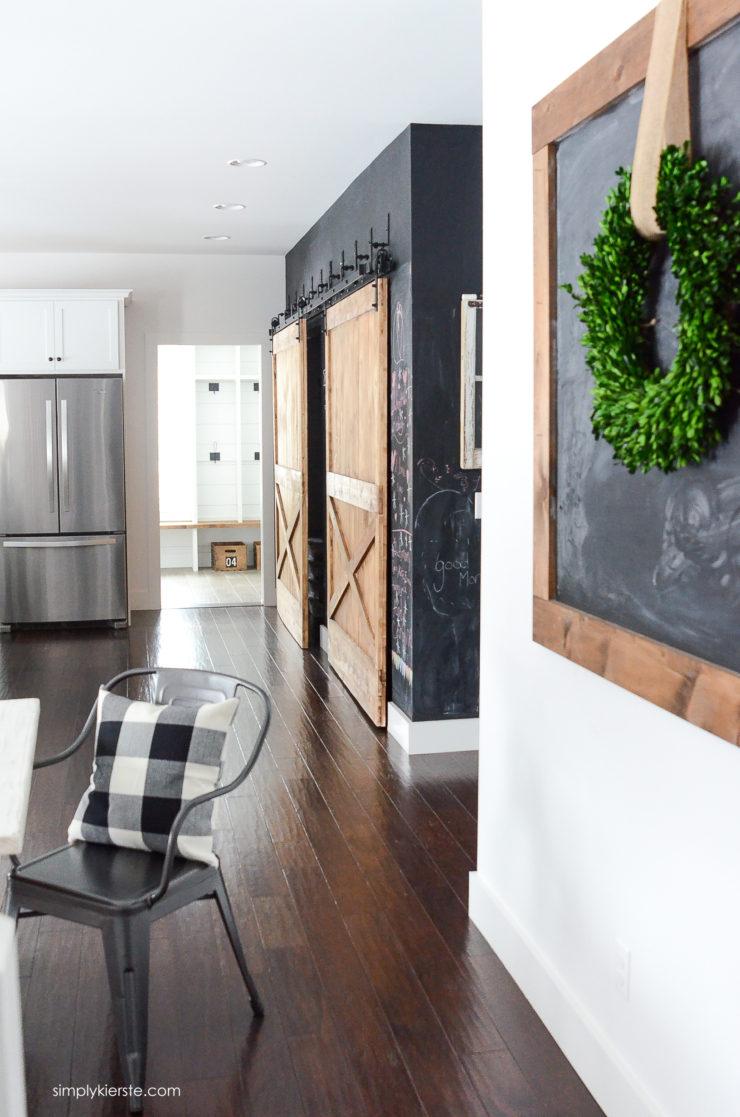 DIY Giant Chalkboard | simply kierste.com