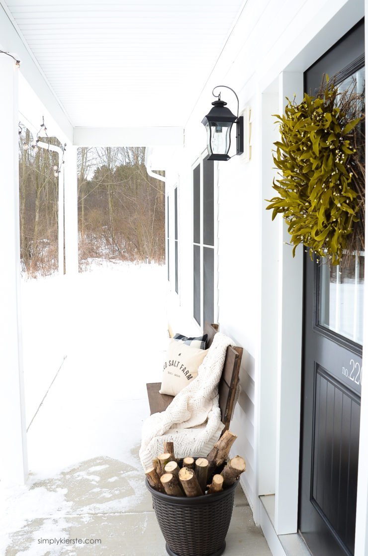 Farmhouse Winter Porch | simply kierste.com