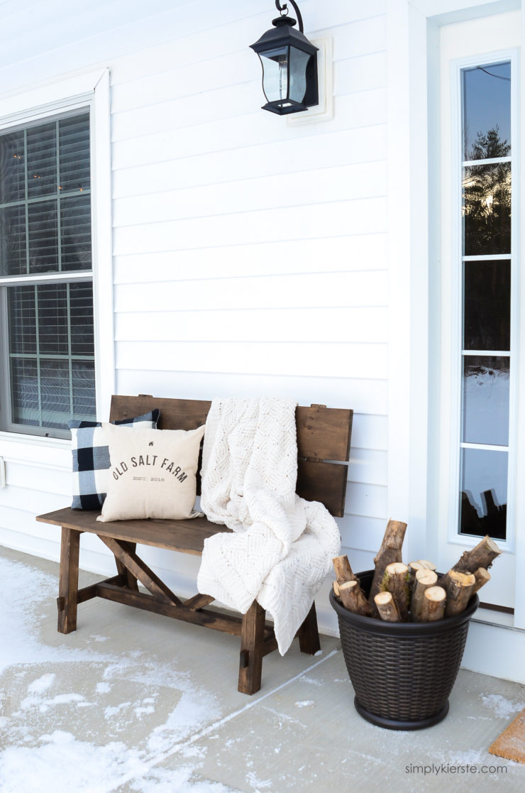 Farmhouse Winter Porch | simply kierste.com