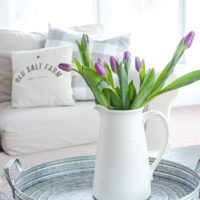 Farmhouse Style: Decorating with Flowers for Spring