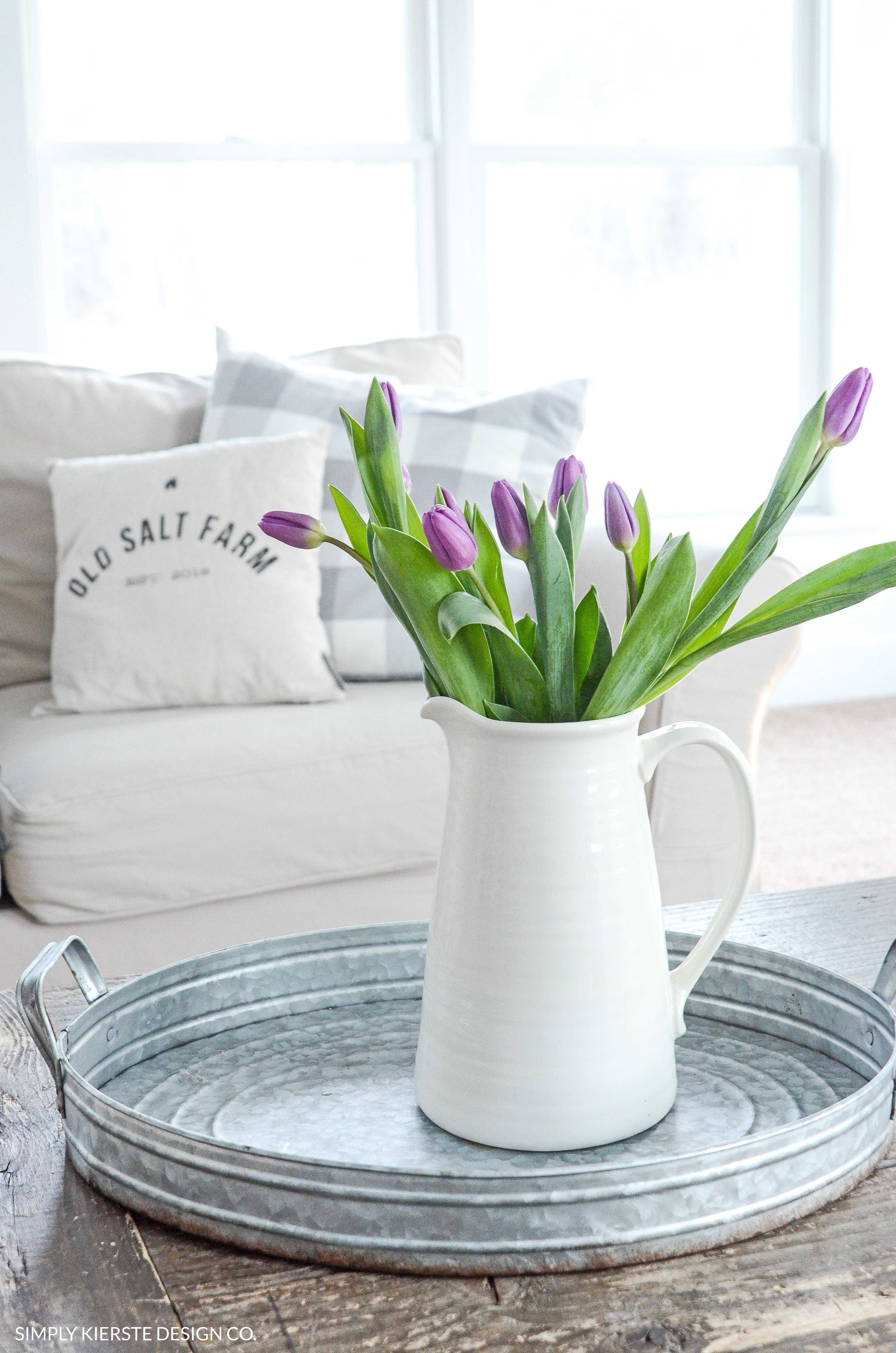 Decorating with Flowers for Spring | simplykierste.com