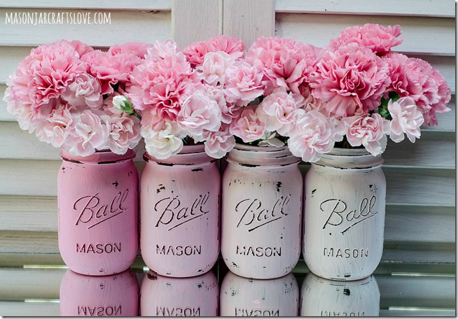 Distressed Pink Painted Mason Jars | Spring Decor Ideas | simply kierste.com
