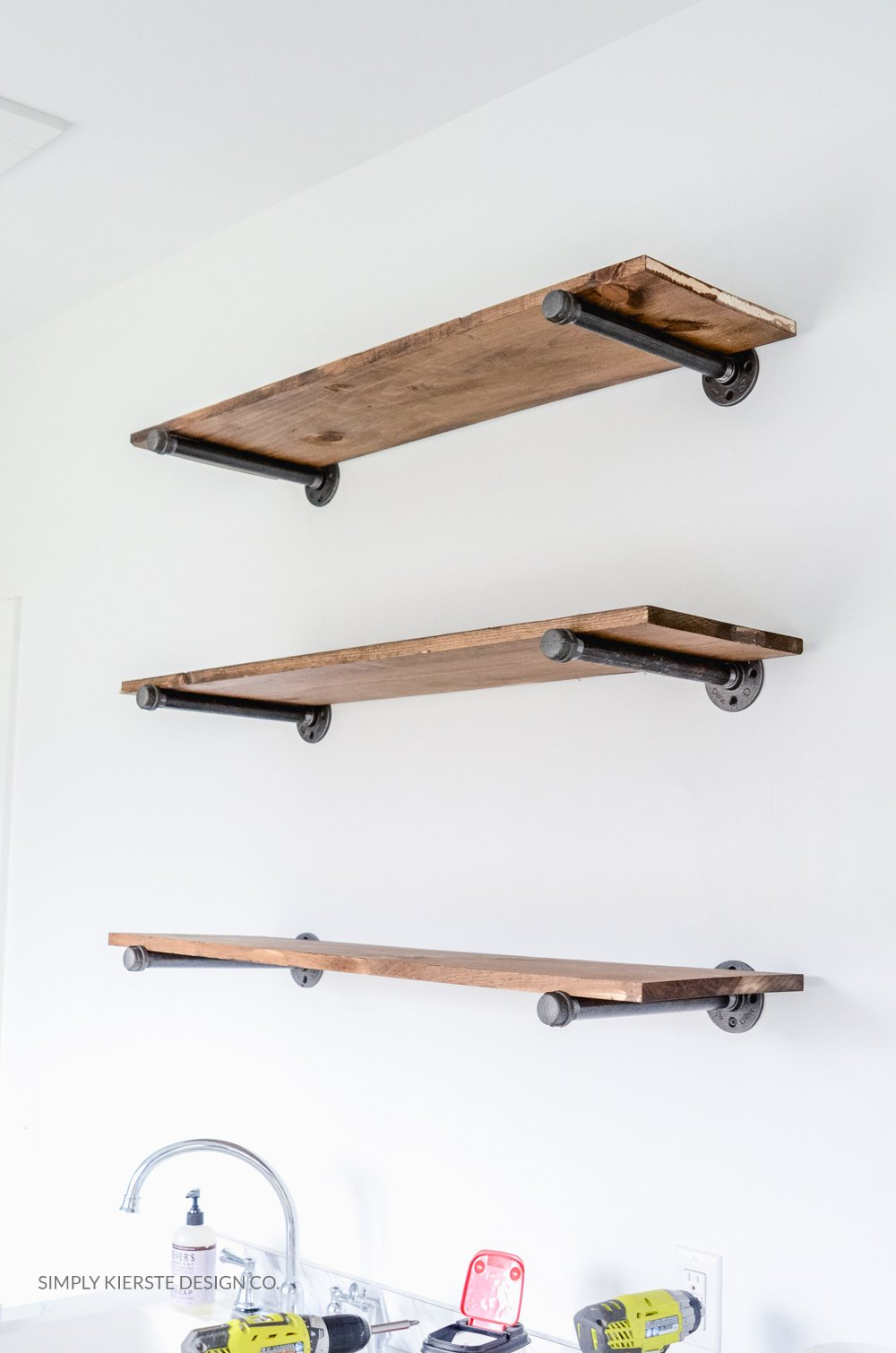 DIY Farmhouse Shelves | simplykierste.com