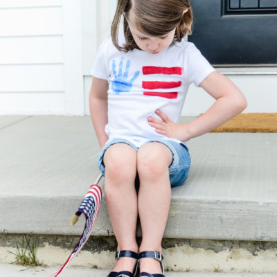 Quick & Easy 4th of July Handprint Flag Tee
