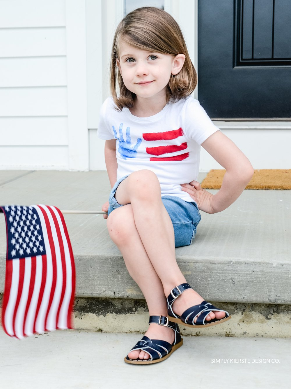 4th of July Handprint Flag Tee | simply kierste.com