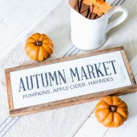 Farmhouse Fall Wood Sign:  Autumn Market