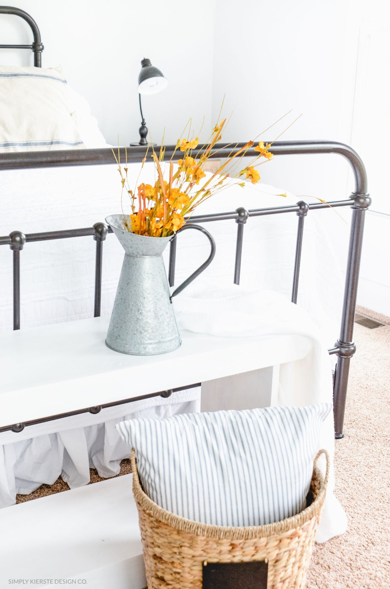 Farmhouse Bedroom Fall Decor | oldsaltfarm.com