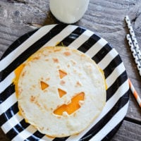 Jack-o-lantern Quesadillas | Easy Halloween Ideas | Halloween Dinner Ideas | simplykierste.com