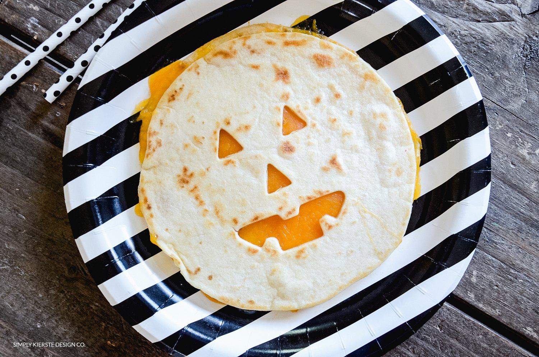 Jack-o-lantern Quesadillas | Easy Halloween Ideas | simplykierste.com