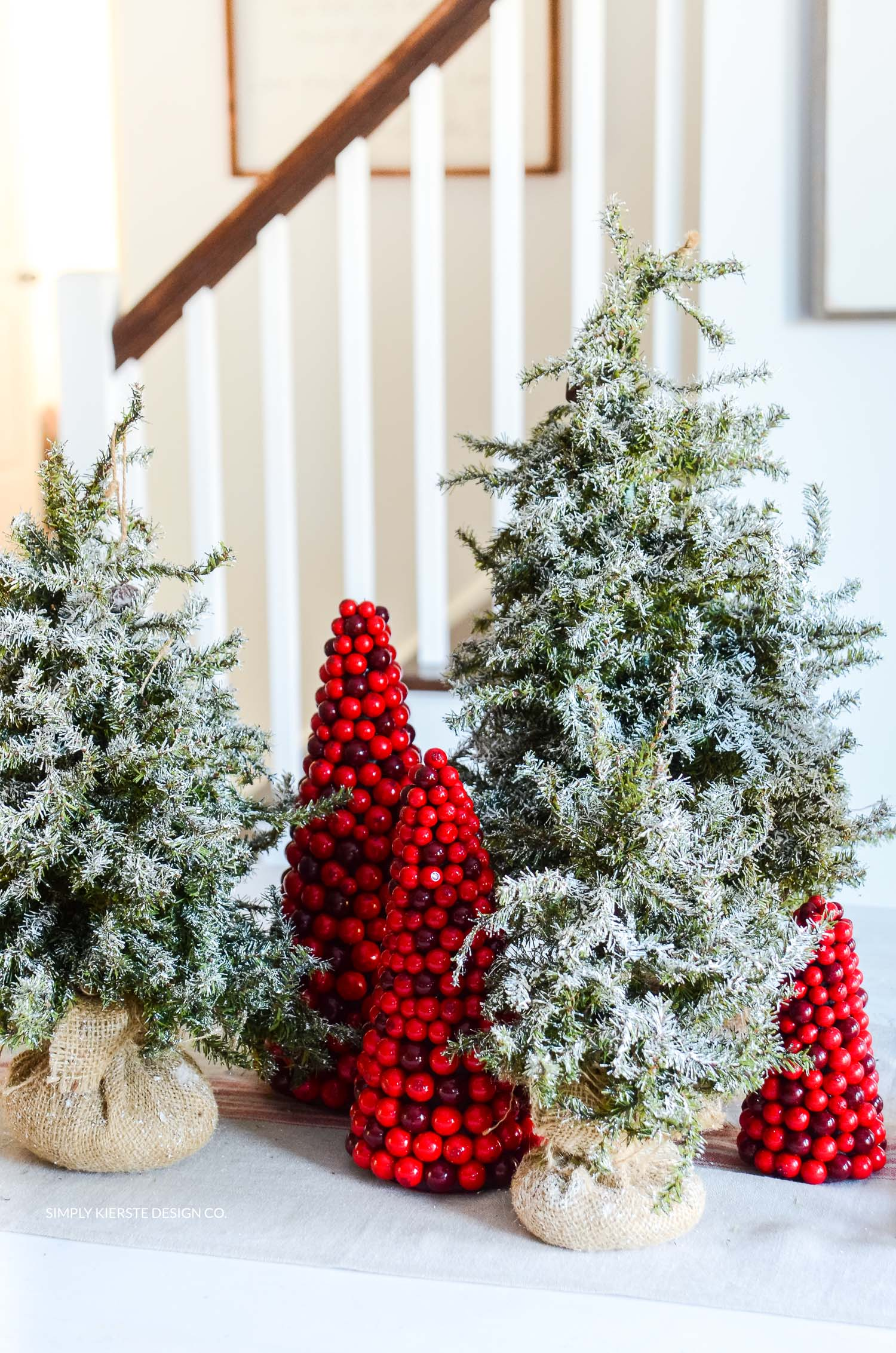 How to Flock a Christmas Tree the EASY way! | simplykierste.com #diyflockedtree #flockedchristmastree