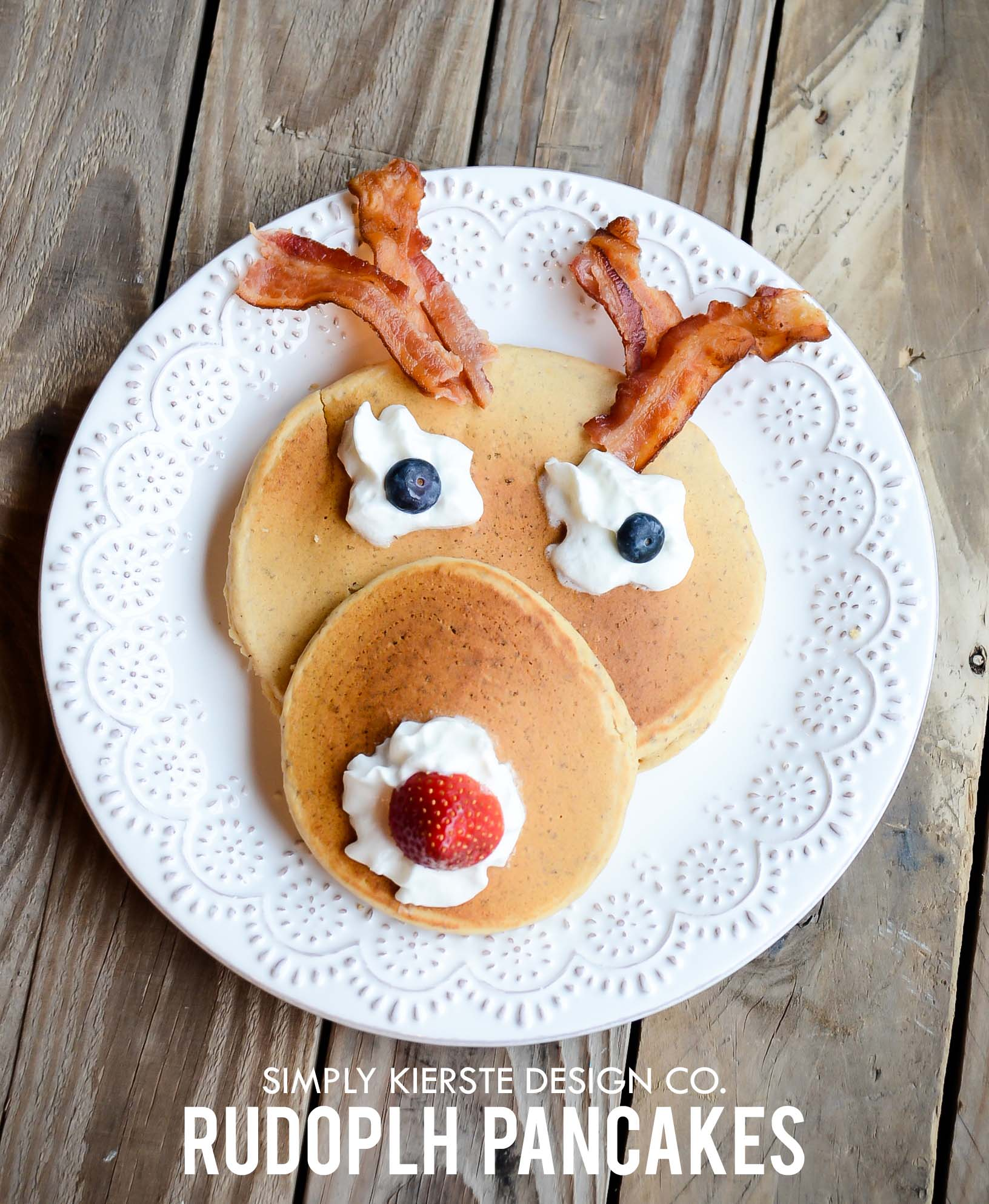 Rudolph Pancakes | Christmas Breakfast | simplykierste.com #christmasbreakfast #rudolphthereindeernosedreindeer #pancakes