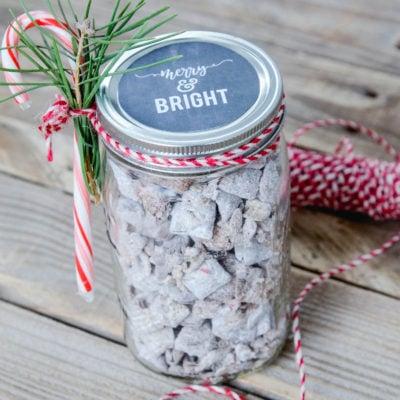 Mason Jar Christmas Gift Idea   Chalkboard Printable Tag   oldsaltfarm.com #easyholidaygift #easychristmasgift #masonjargiftideas #chalkboardtag