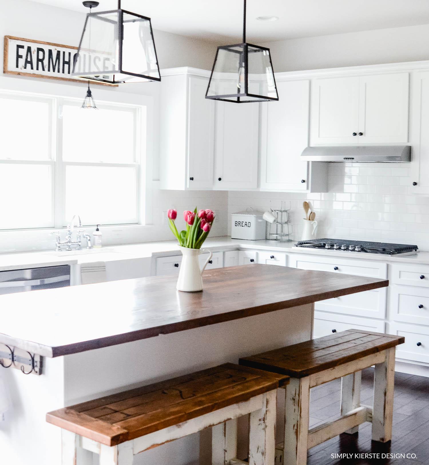Winter at Old Salt Farm | Winter Home Tour | simplykierste.com #farmhouse #whitefarmhouse #farmhousestyle #hometour