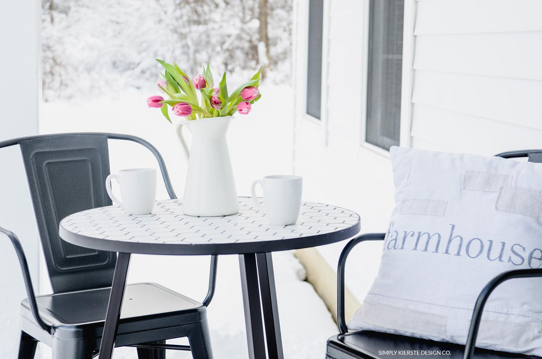 Simple Farmhouse Patio | Farmhouse Style Porch