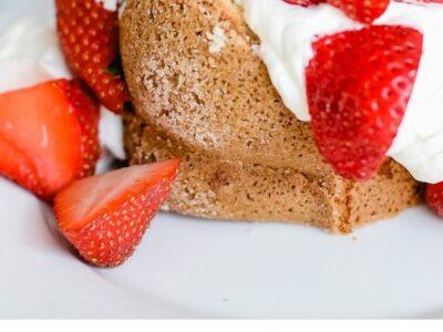 Lemon Poundcake with Strawberries