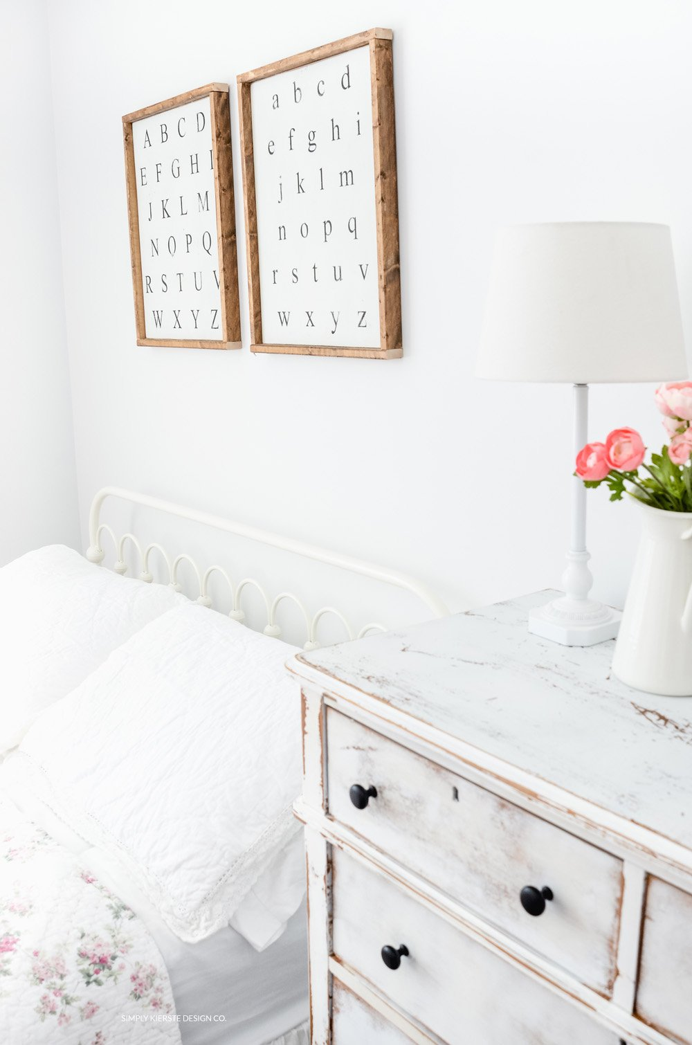 Vintage style shabby chic girl 39 s bedroom source list for Shabby chic instagram