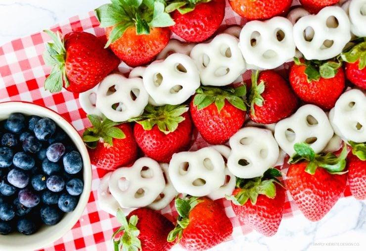 Flag Fruit Platter | 4th of July Food Ideas