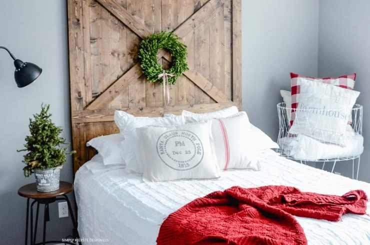 Farmhouse Christmas Guest Room