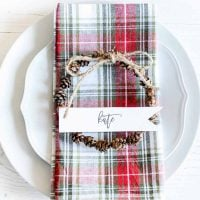 Mini Pinecone Wreaths | Place Cards