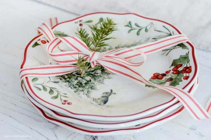 6 Budget Friendly Gift Ideas | Vintage Christmas Plates
