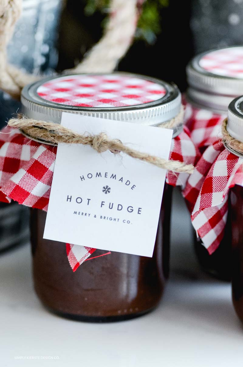 Homemade Hot Fudge: Christmas Neighbor Gift Idea
