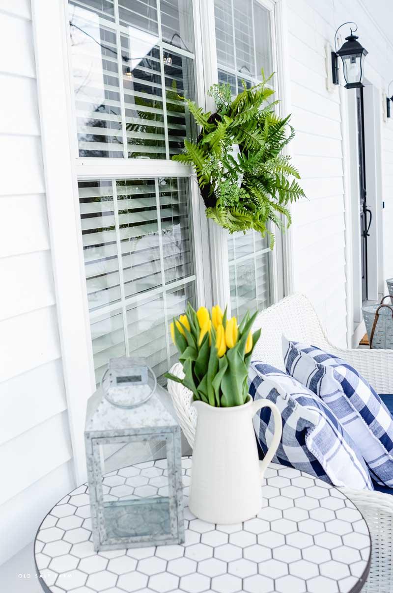 Farmhouse Spring Porch Decor