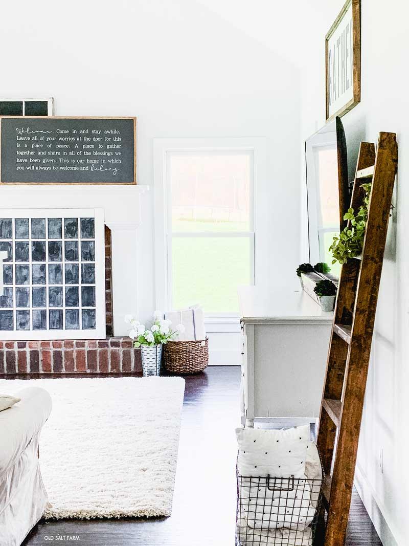 Cozy Farmhouse Family Room