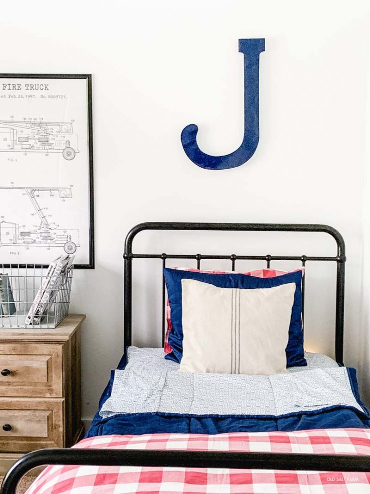 Vintage Boys' Bedroom in Navy & Red